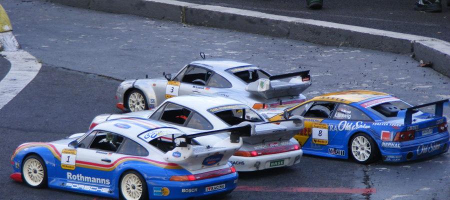 Porsche in der Boxengasse