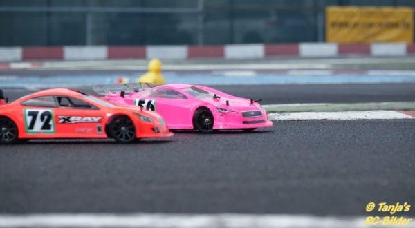 Zwei Verbrenner im Duell auf dem Motodrom MCC Rhein Ahr